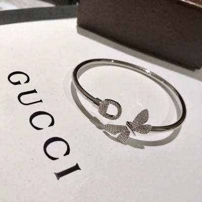 Gucci古驰女士花卉蝴蝶装饰白金手镯 简洁时尚 特立独行
