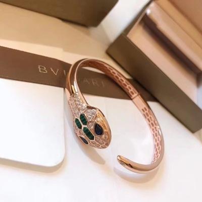 BVLGARI宝格丽 镶钻钻石蛇形手镯 内圈完美镂空、形态栩栩如生