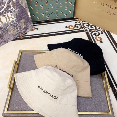 【巴黎世家】2020新款简约款渔夫帽,简约大方,超好搭衣服~yzp082810
