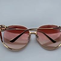 GUCCI古驰时尚太阳镜 相当漂亮 适合各种脸型 佩戴超舒适 尺寸62口16-130jdyj090502