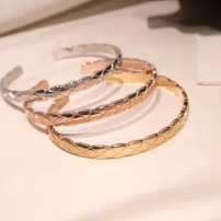 Chanel香奈儿CoCo CRUSH系列手镯 开口菱形格纹图案经典花纹手镯