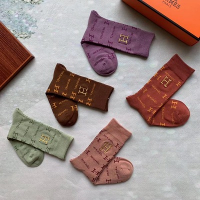 Hermes · 爱马仕 新品长款袜子 超级经典 潮人必备 超好搭mzyj082818