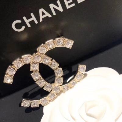 Chanel 香奈儿爆款字母水晶砖石胸针