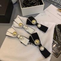 Chanel 一对中古蝴蝶弹簧夹 方形四面花色  扎头发也要高级起来msyd090313