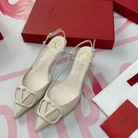Valentino\华伦天奴2020新款单鞋尖头女士高跟鞋跟高4.5cm