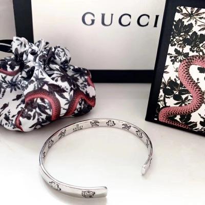 Gucci古驰男女同款字母超精工手镯