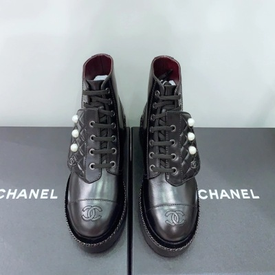 Chanel\香奈儿经典女士短靴 系带珍珠装饰 编织镶边底马丁靴