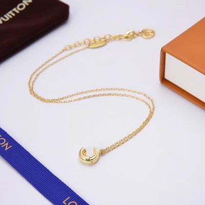 Lv路易威登字母C项链厚金电镀优雅知性项链