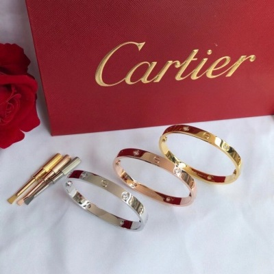 Cartier卡地亚经典4钻love手镯版四钻 手寸16#17#18#19#