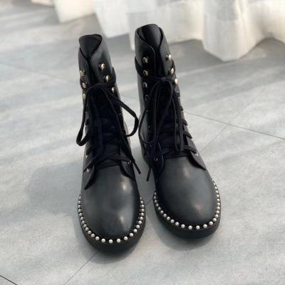 Stuart Weitzman\SW不一样的马丁靴 时尚百搭 开边珠设计女士机车靴