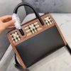 BURBERRY巴宝莉手提包 「Title - 泰尔勒手袋」稳重大气的英伦style 装饰精美的三粒铆钉 经典大气 BBL-YS
