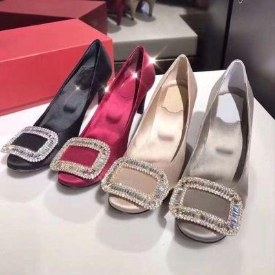 RV/Roger Vivier新款水钻方扣绒面高跟鞋 圆头浅口女士单鞋 跟高6.5cm