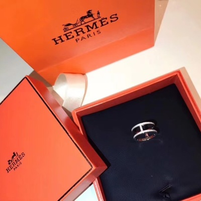 Hermes爱马仕 白金 H字母满钻女士戒指