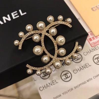 CHANEL香奈儿双C胸针优雅高贵款式
