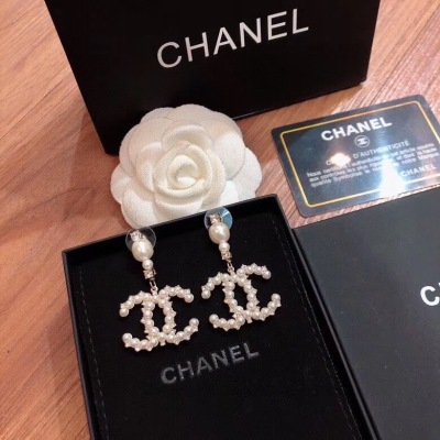 Chanel香奈儿珍珠大款夸张耳钉 大气显白 超有质感