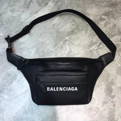 Balenciaga巴黎世家 斜挎胸包腰包 前面拉链口袋 简约两用包  可做胸包或者腰包 简单轻便 BLSJ-2H