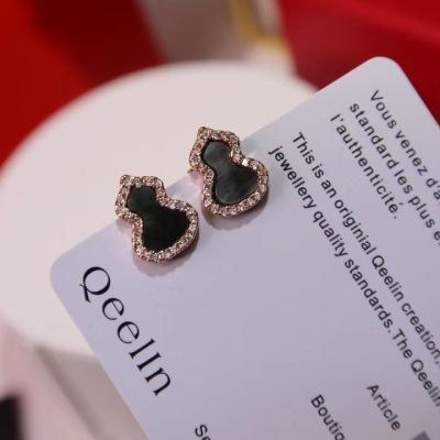 Qeelin麒麟高端珠宝葫芦耳钉 葫芦寓意 有福禄 非常吸轻的小耳钉